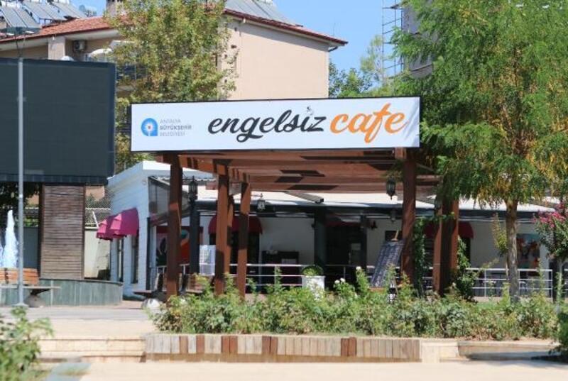 'Engelsiz Cafe' ile 'El Sanatları Satış Merkezi' açılışa hazır