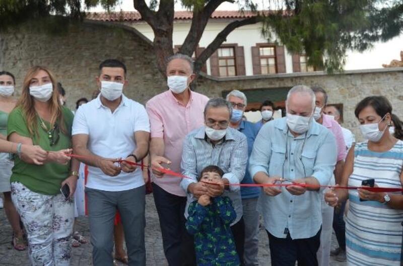 Kuşadası'nda Muzaffer İzgü'nün adı yeni açılan parka verildi