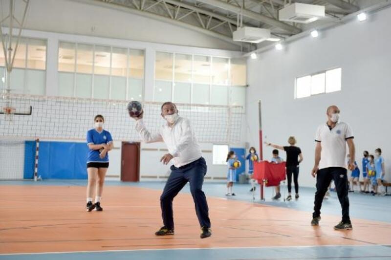 Seyhan'da spor şöleni sürüyor