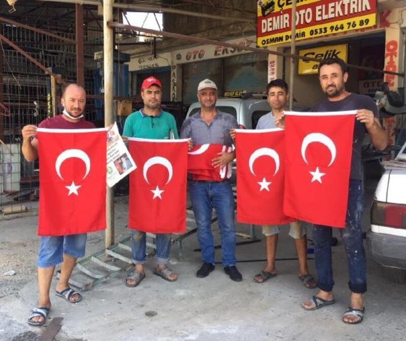 ANTBİRLİK'ten Türk bayraklı kutlama