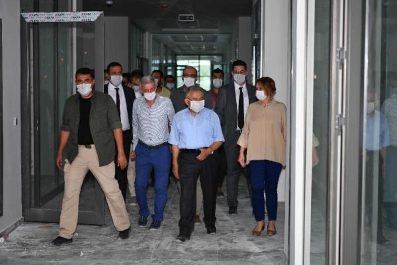 Başkan Büyükkılıç'tan Tapu Kadastro Bölge Müdürlüğü binasında inceleme