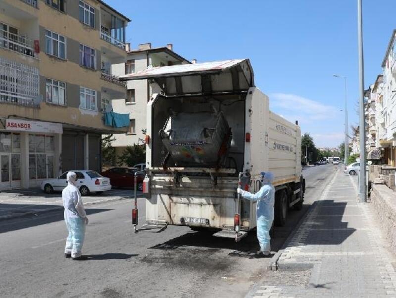 Kocasinan'da çöp konteynırları dezenfekte edildi