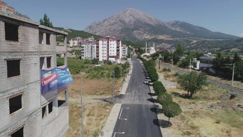 Adana'da asfaltlama çalışmaları aralıksız devam ediyor
