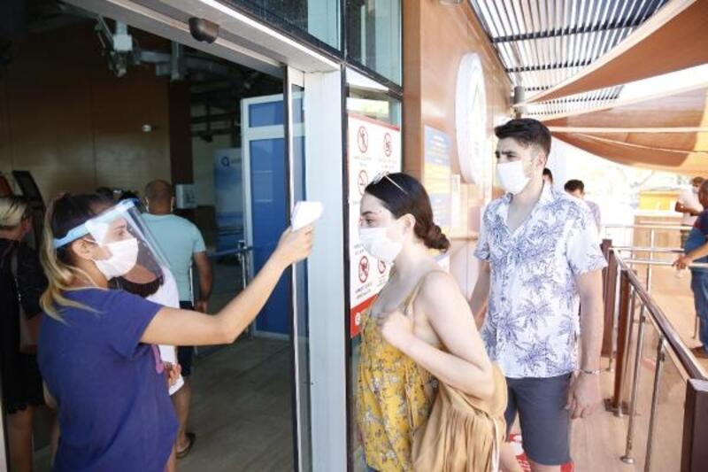 Tünektepe pandemi önlemleriyle misafirlerini ağırlıyor