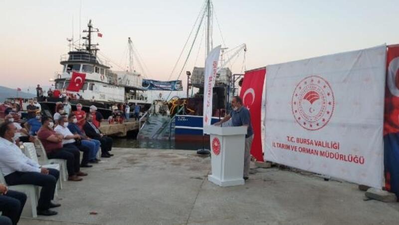 Bursalı balıkçılar sezonu Gemlik'te açtı