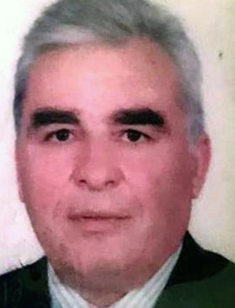 Emekli bankacı evinde ölü bulundu