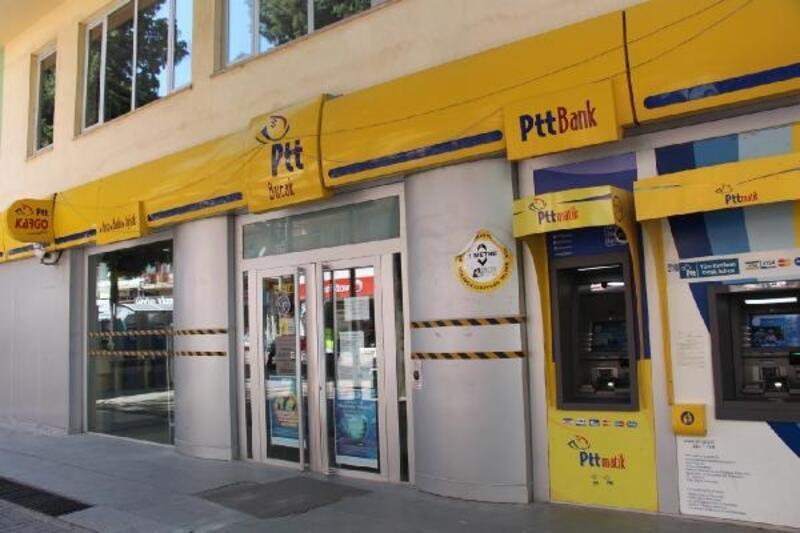 Bucak PTT şubesi Covid-19'dan kapatıldı