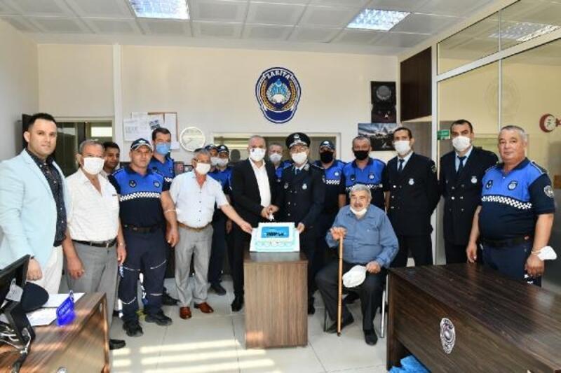 Mustafakemalpaşa'da zabıta personeline kutlama