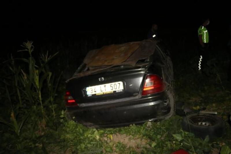 Otomobil tarlaya devrildi, sürücüsü yaralandı