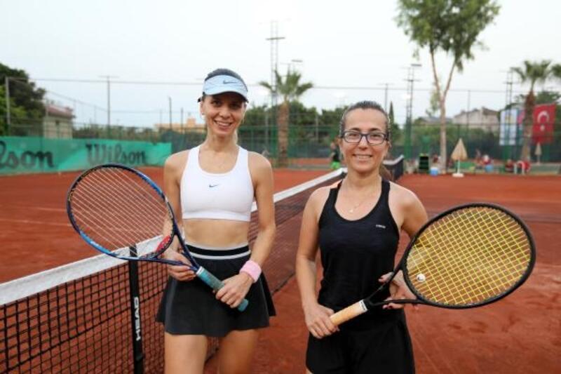 Tenis turnuvasında kıyasıya mücadele