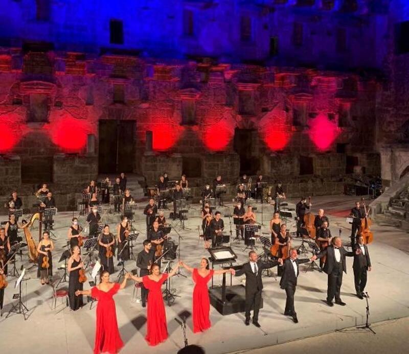 Aspendos'ta '3 Soprano 3 Bas' konseri