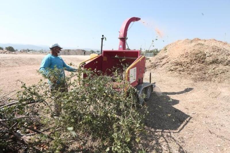 Nilüfer'de budama atıkları kompost gübreye dönüşüyor