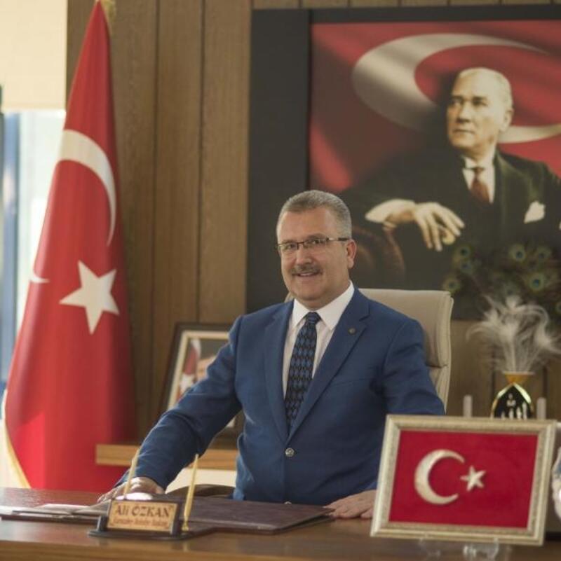 Karacabey Belediye Başkanı Özkan'dan 'Kurtuluş Günü' mesajı