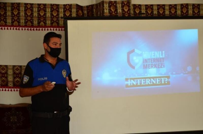 Polisten gençlere internet kullanımı uyarısı