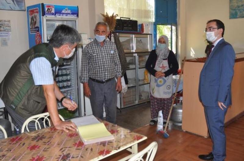 Sarıoğlan'da koronavirüs denetiminde 15 kişiye para cezası