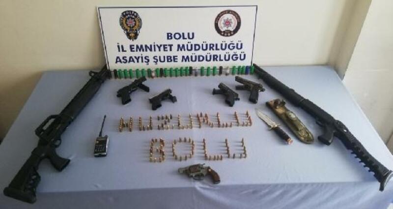 Bolu'da ruhsatsız silah ve mermi ele geçirildi