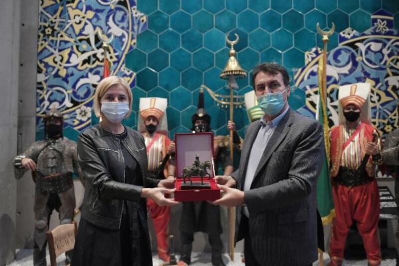 Gagauz Özerk Yeri Başkanı Vlah, Fetih Müzesi'ni ziyaret etti