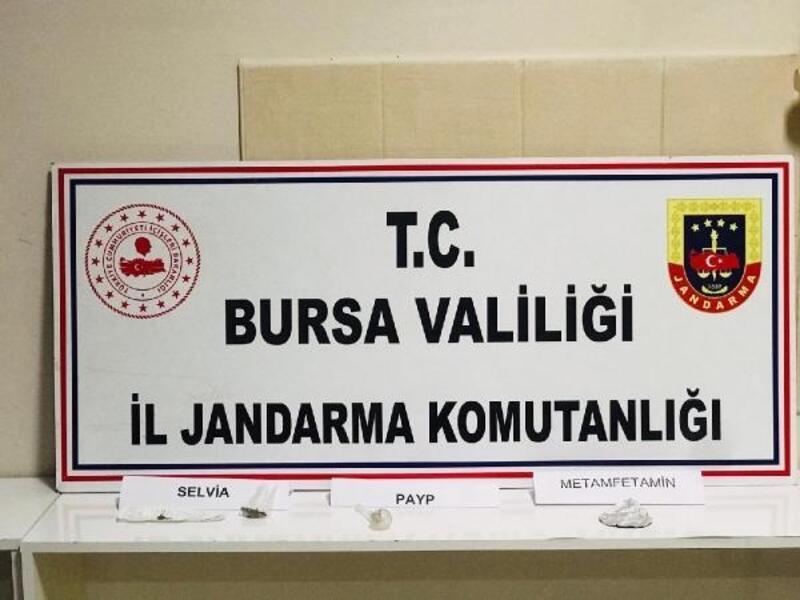 Bursa'da, uyuşturucu tacirleri trafik uygulamasına takıldı