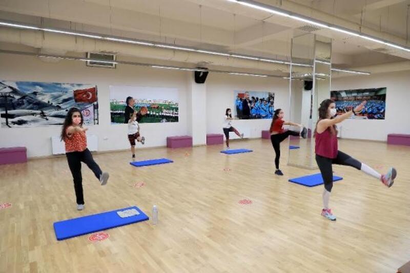 Denizli'de Büyükşehir'in spor kurslarından 245 bin kişi faydalandı
