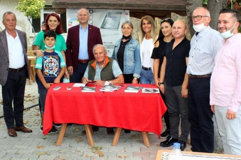 Erdoğan Kantürer, yeni kitabını imzaladı