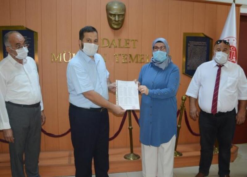 MHP Korkuteli'de Yapılmışev mazbatasını aldı