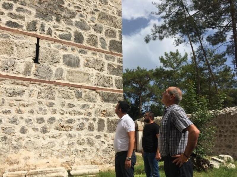 MHP'li Kara'dan Selçuklu Av Köşkü'ne ziyaret