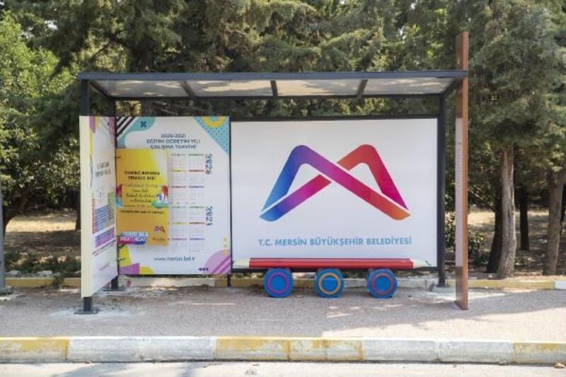 Okul önlerine özel tasarım durak yerleştirildi