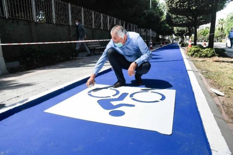 Adana'da bisiklet yolu çalışmaları devam ediyor