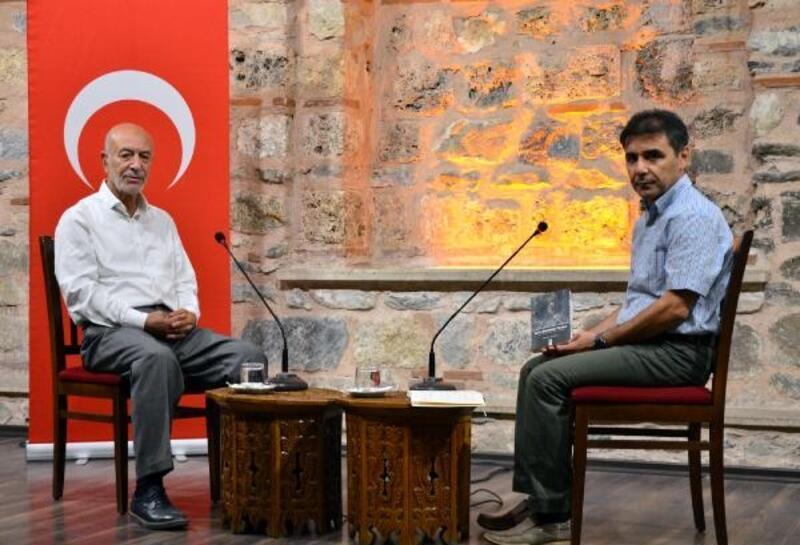 Şair Metin Önal Mengüşoğlu, kitabını anlattı