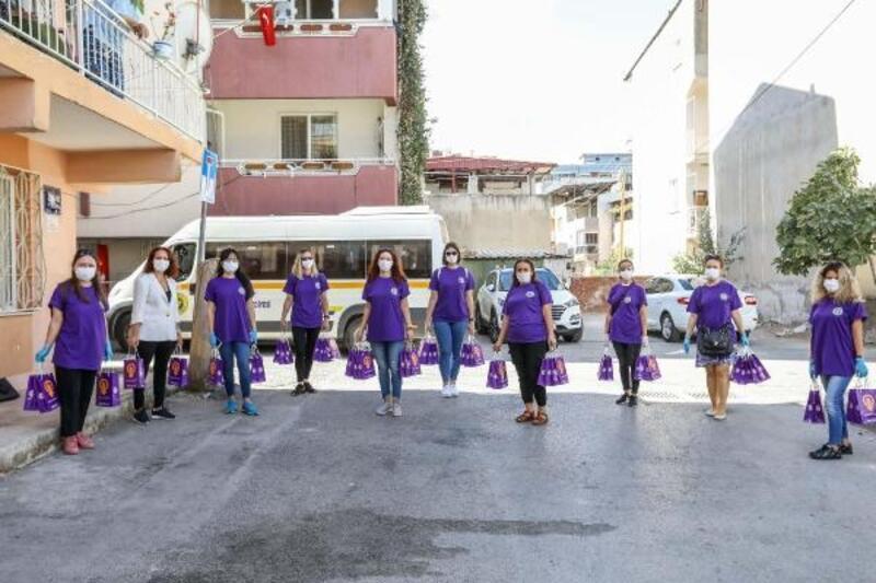 Buca Belediyesi şiddete karşı kadınların kapısını çaldı