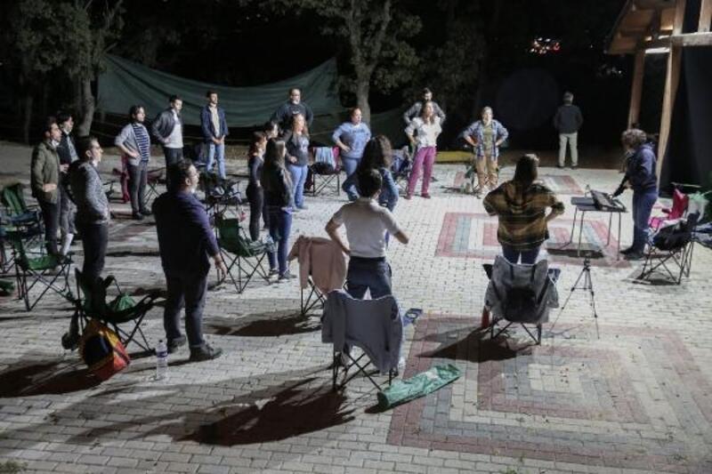 Nilüfer Çoksesli Korosu çalışmalarını açık alana taşıdı