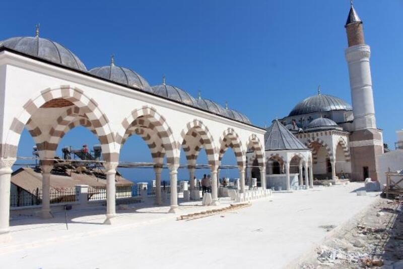 Finike Eroğlu Nuri Camii'nde son rötuşlar