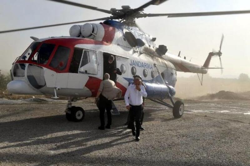 Vali Atik, havadan helikopterle trafik denetimi yaptı