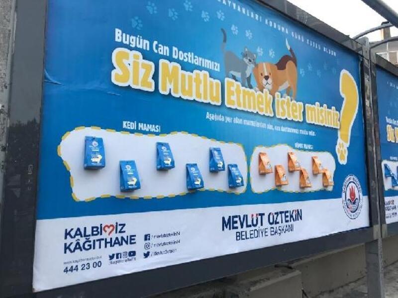 Kağıthane'de billboardlara reklam yerine mama konuldu