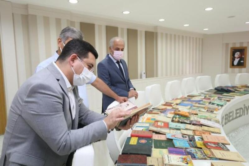 Ahmet Alp Hoca'nın kütüphanesi Kepez'de yaşayacak