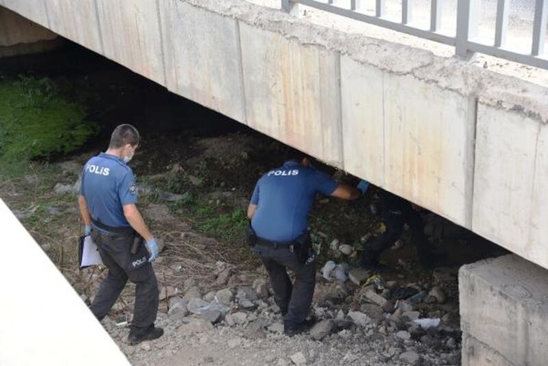 Köprü altında erkek cesedi