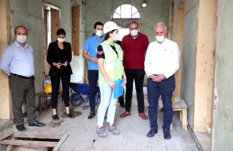 'Mersin'de İz Bırakanlar Müzesi'ne doğru