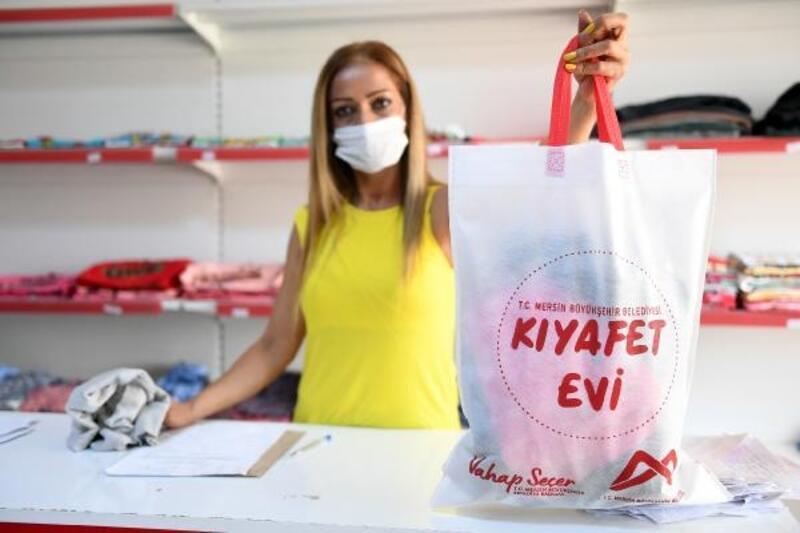 Büyükşehir'in 'Kıyafet Evi'nden bin 500 aile yararlandı
