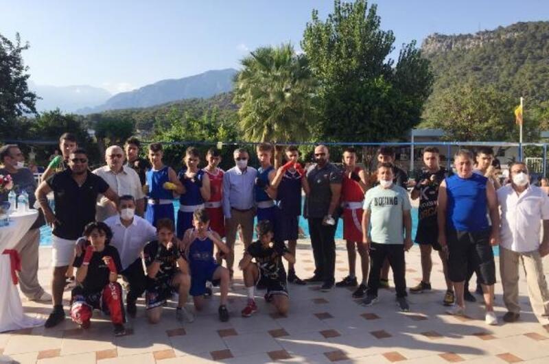 Başkan Topaloğlu'ndan sporcu kampına ziyaret