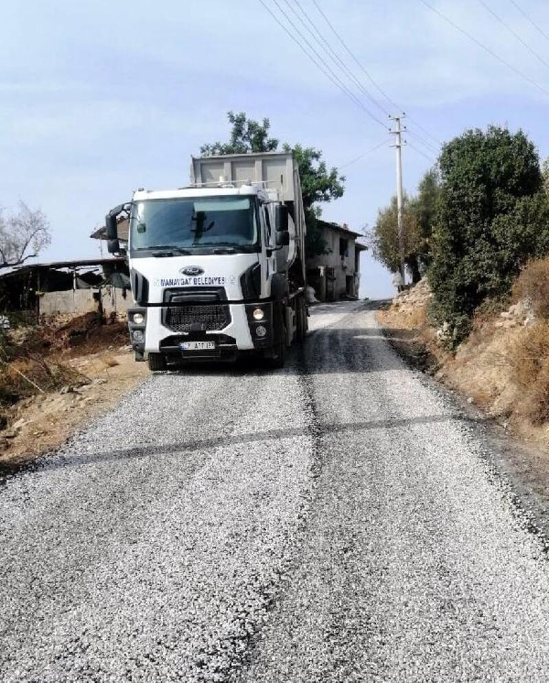 Manavgat'ta yollar kışa hazırlanıyor