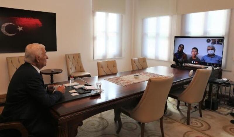 Sosyal medyadan tablet istedi ilk canlı bağlantıyı Başkan'la yaptı