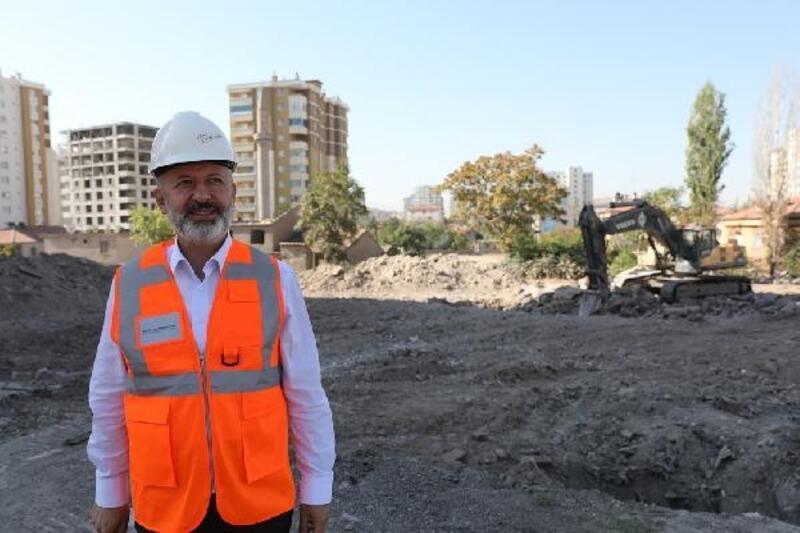 Başkan Çolakbayrakdar, Uğurevlerde inceleme yaptı