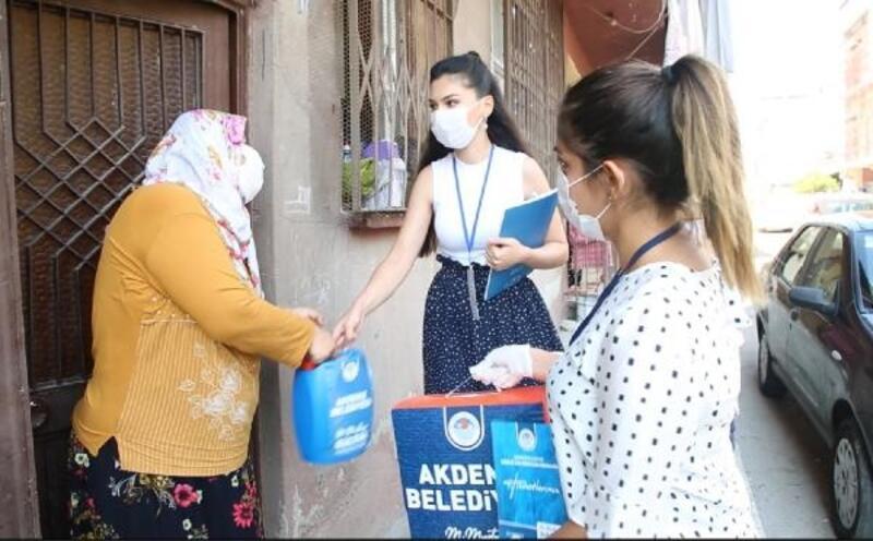 Akdeniz'de 440 aileye hijyen paketi desteği