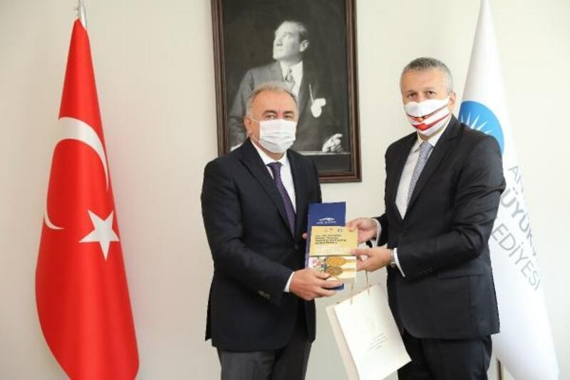 Romanya Büyükelçisi Sopanda Büyükşehir'i ziyaret etti