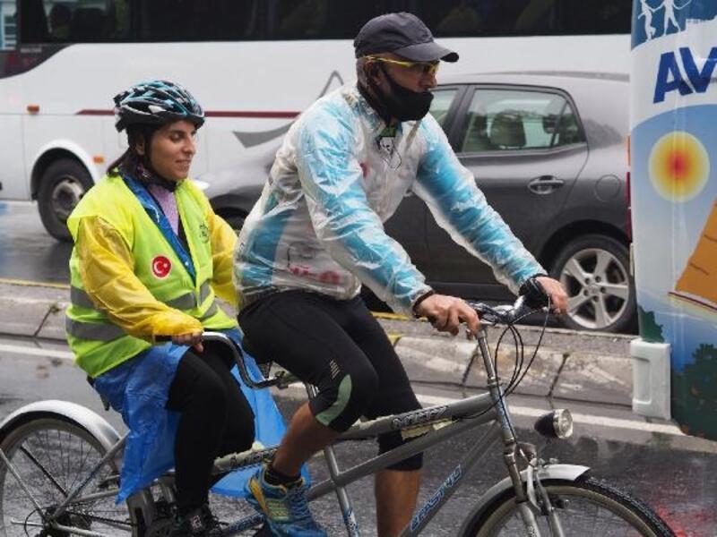 Görme engelliler bisiklet sürdü