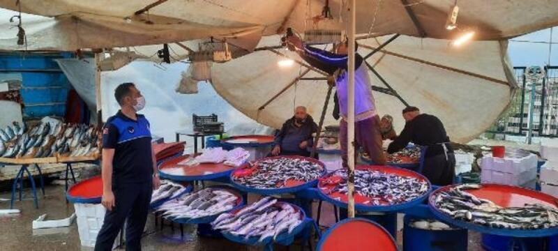 Balıkçıların mavi ışık oyunu zabıtaya takıldı