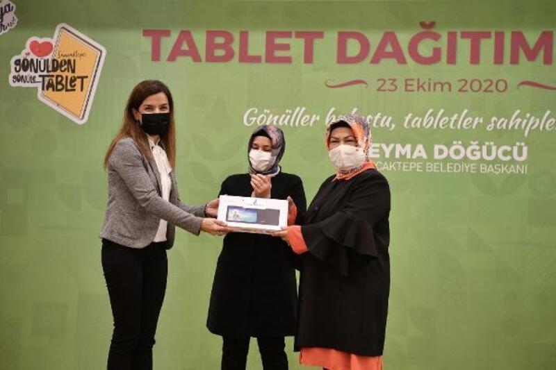 Belediyeden ihtiyaç sahibi öğrencilere tablet desteği