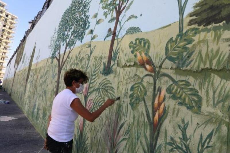Melikgazi'de okul duvarları renklendirildi