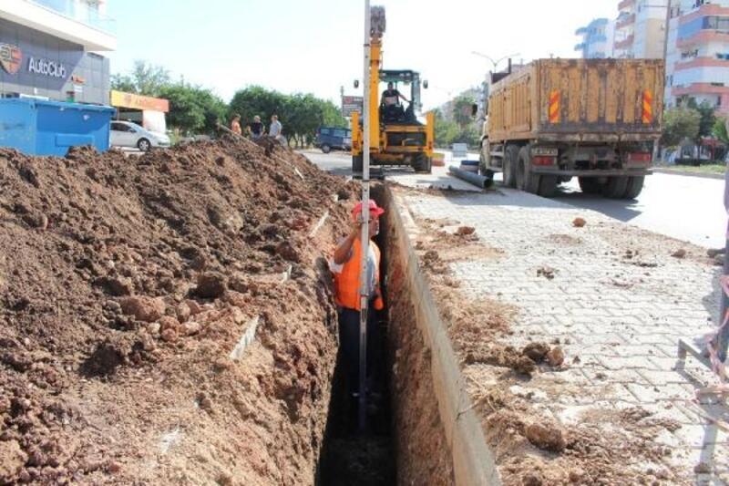 Kumluca'da kanalizasyon çalışması