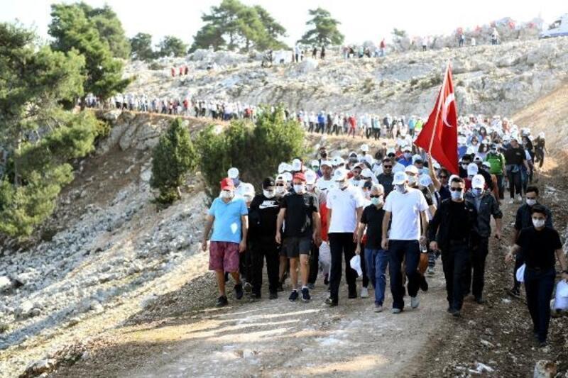 Başkan Seçer, vatandaşlarla Cumhuriyet Bayramı için yürüdü